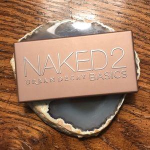 Urban decay- naked 2 basics eyeshadow palette